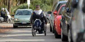 Circolazione sicura dei veicoli elettrici, carrozzine, triride e scooter